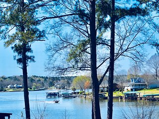 Lakefront CABINS For Rent, Private Dock, next to Boat Ramp, Greenwood, SC