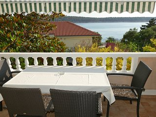 Apartment Frankic (IV) 30 m from the sea