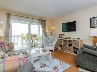 Beautiful 2 bedroom Oceanfront condo with elevator access in Ocean Dunes