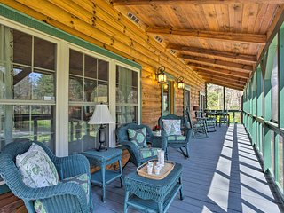 Luxury Log Cabin - 7 Miles from Downtown Asheville