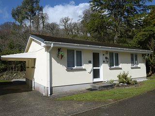 LITTLE RETREAT, wifi, access to fishing lake, ground floor, Liskeard 3 miles. Re