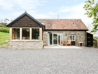 OXBARTON, open-plan, exposed beams, Mendip Hills, Ref 974391