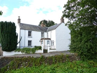 MILL OF TANNADICE, riverside cottage with fishing rights, Rayburn, Ref 976967