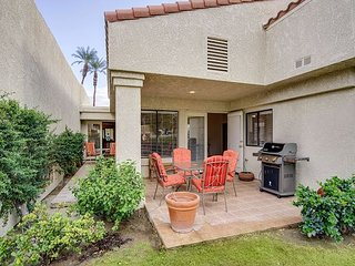 Beautifully Updated 3BR Condo at Santa Rosa Cove w/ Pool & All-New Furniture