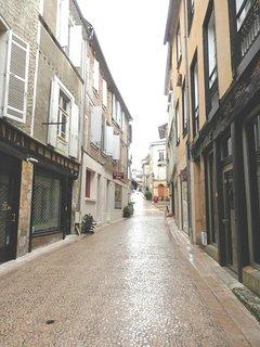 la petite rue piétonne