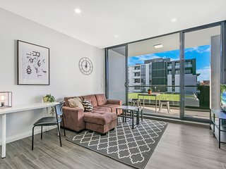Cozy 2BED APT 6mins to CBD|Surrounded by Parklands