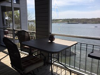 Luxurious Lakeside Condo at MM 19 w/boat slip option