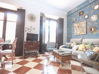DELIGHTFUL HOUSE  IN CITY CENTER SEVILLE