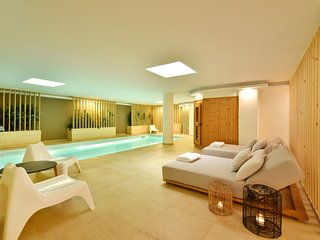 Aqua Villa-Deluxe Villa with Indoor Swimming Pool,Sauna & Hamam