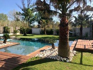 Villa 5 ⭐️ a 50m de la plage avec piscine chauffee a debordement.