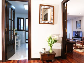 Apartamento acogedor y luminoso en el centro de Llanes. Plaza plaza de garaje.