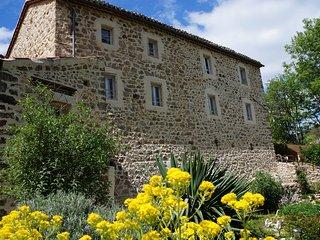 Gîte 'le refuge des fées': au cœur des Monts d'Ardèche- Rivière à proximité