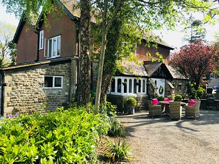 Coombe Lodge Farm House B&B Twin Room (Fearon)