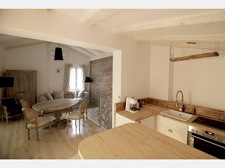 NEW* Appartment w.Sea view & Parking