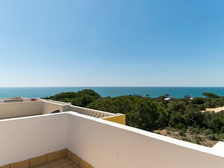 Curly Green Villa, Benagil, Algarve