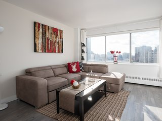 Luxurious 1 BR condo Downtown Montreal (Breakfast included)