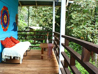 Santi Tropical Garden & Beach Cottage