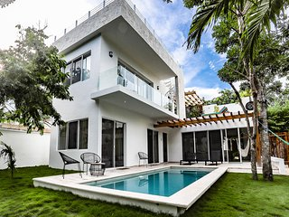 BRAND NEW VILLA WITH PRIVATE POOL YAAKUNAH