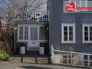 Artistic Apartment in the Heart of Reykjavik - 78