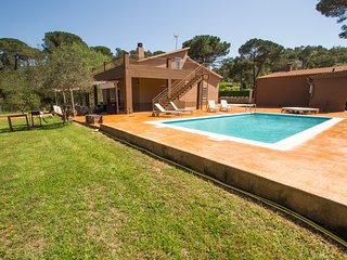 Catalunya Casas: Spacious Villa Malavella for 8, just 12km to Costa Brava beache