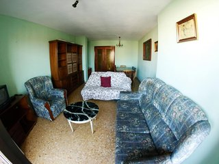 Double bedroom flat + 2 balconies + WiFI