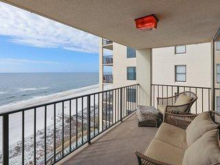Phoenix II, beach-front, 3/2, corner-unit, amenities galore, sleeps 8