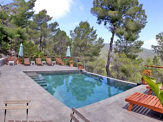 Mountain house with pool & nice views