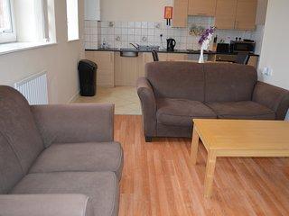 Somerset Apartments Flat A