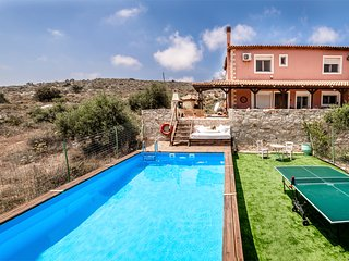 Villa Elise, Private Pool, Aircon, Wifi  15% DISCOUNT FIRST 2 BOOKING