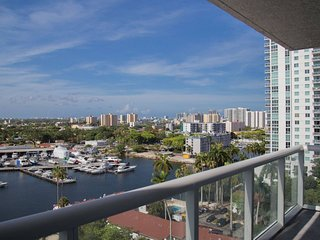 Oaks Marina & Tower Lux. Condos / 4