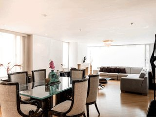 Modern Designer Flat 2/4 / Zona T by NOMAD GURU