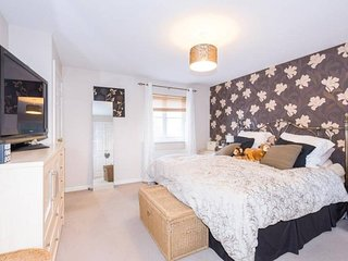 ✭ SuperKing or Twin Bed ✭ Ensuite ✭ Top Floor ✭
