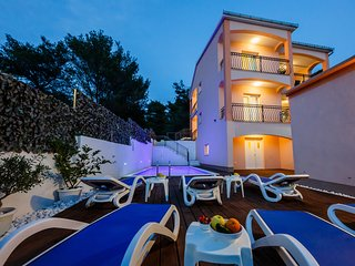 Villa Nora ( heated pool ) island Ciovo Trogir
