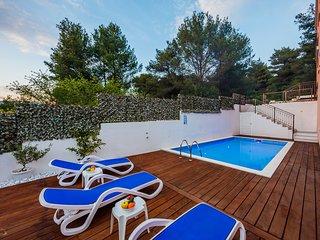Villa Nora ( heated pool ) island Ciovo Trogir