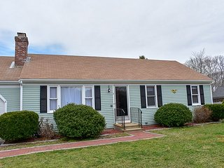 Three bedroom home with central air on Northside!