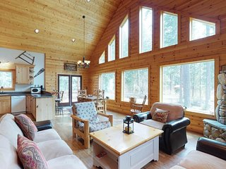 NEW LISTING! Cozy A-frame in the woods near hiking, lake, walk to the river