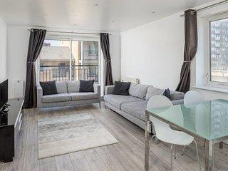 Modern 2bed, 2bath apartment near Canary Wharf