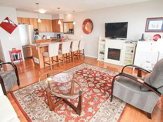 Oceanfront condo in the heart of Nye Beach-steps to the best restaurants!