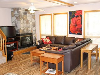 Brightly Decorated 3 Bedroom Condominium in the Heart of Canaan Valley, WV!