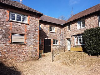 Stable Cottage, Exford - Converted stable building sleeps up to 8 guests located