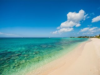 WINTER SPECIAL - 4BR Seven Mile Beach - Serenity Now by Luxury Cayman Villas