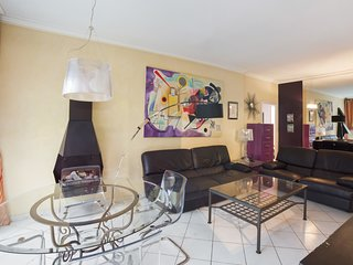 Flat with terrace in the heart of Nice - W395