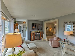 NEW! Lovely Home w/Decks & Grill In Rapid City!