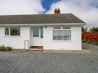 PARKWAY, countryside views, Smart TV, Pembrokeshire Coast National Park, Ref 980