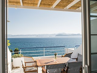 Luxury Beach Apartment | Sea view balcony | near Nafplio, Mycenae, Epidaurus