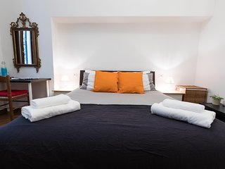 Maison Orange [Two Bedrooms, Two Bathrooms]