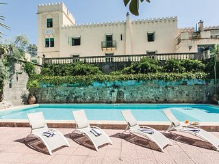 9 bedroom Villa in Contrada Croce, Sicily, Italy : ref 5566756