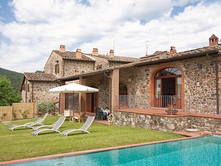 3 bedroom Villa in Le Bolle, Tuscany, Italy : ref 5566818