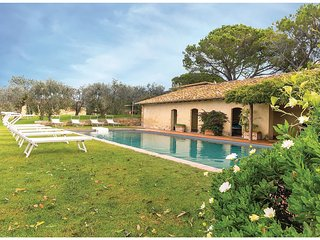 6 bedroom Villa in Poderone, Tuscany, Italy : ref 5523574