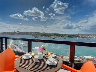 Majestic Valletta Views - 2BR Luxury Apartment